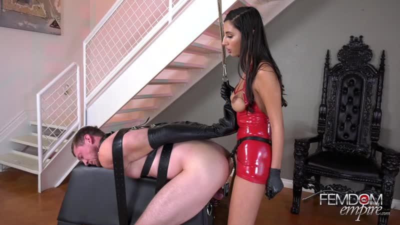 Госпожа страпонит раба реально