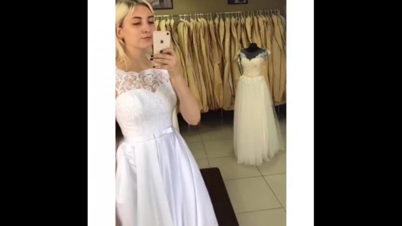 Лайк♥️ Свадебное платьице ждёт свою принцессу идеальная посадка кружево с пайетками можно надеть как с кринолином так и без👸