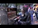 Man plays piano in street, people were shocked _ Уличный пианист, музыка для душ