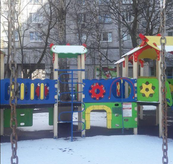 Детская площадка на Алтушке вновь стала безопасной для игр