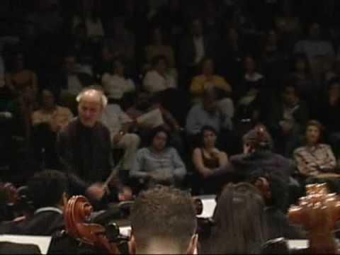 Piazzolla. Adios Nonino. Cello: William Molina Cestari. Conductor: Eduardo Marturet.