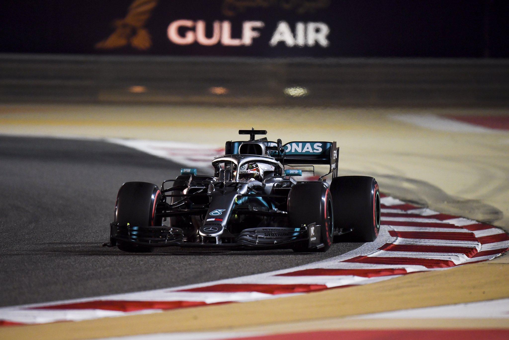 Льюис Хэмилтон - победитель гран-при Бахрейна 2019 года