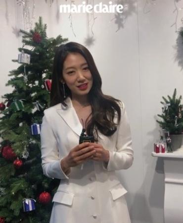 "Marie claire korea on Instagram ""마리가간다 영등포 타임스퀘어 1층, 선물처럼 찾아온 스와로브스53"