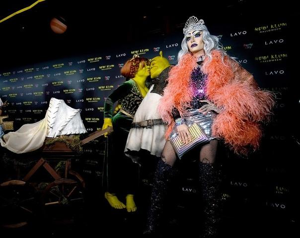 Хайди Клум, Том и Билл Каулитц ХолзиФергиПэрис ХилтонШейн Уэст Зак Позен#Halloween2018