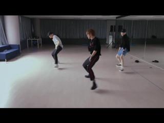 180629 Taeyong, Jaehyun & Mark (NCT) - Whiplash @ Dance Practice