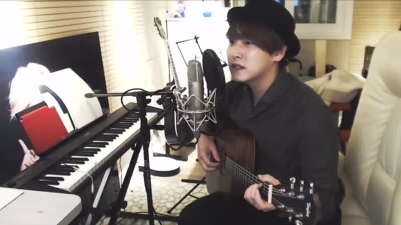 Sungmin singing during his YT live 181117