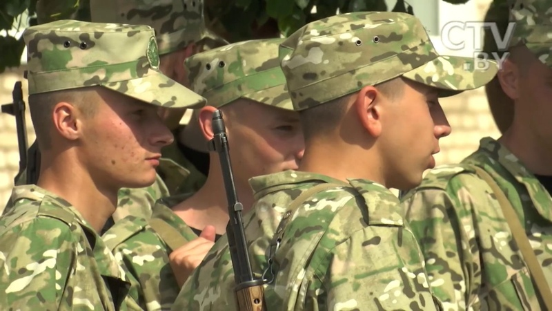 Тяжело ли быть новобранцем внутренних войск МВД: корреспондент СТВ прошел испытания