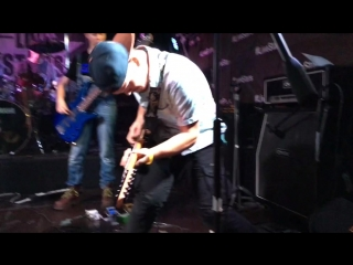 Rocknmob party 6: Fall out boy -
