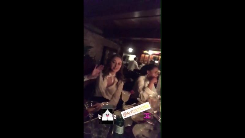 Видео из инстаграма Клаудии Гарсии Пеппер