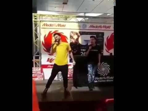 Raoul y Agoney cantando ''Eloise'' en la firma de discos de Gran Canaria 24-2-18