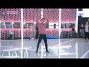 Raoul ensayando su parte en la cancion grupal A quien le importa Gala 7 11-12-17