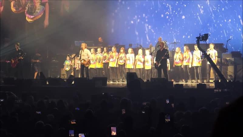 Paul McCartney - Wonderful Christmastime (12_⁄12_⁄18 Liverpool)