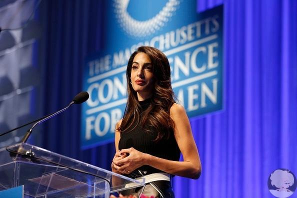 Амаль Клуни призналась, что стала жертвой сексуальных домогательств