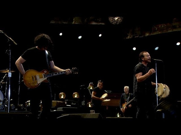 Rockin' in the Free World LIVE 2018 Pearl Jam