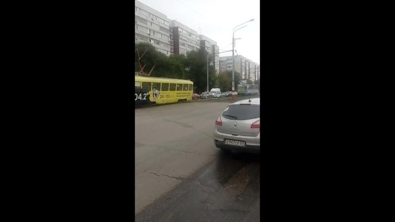 Жесткое ДТП на Самарской. Видео vk.comnew_ulyanovsk