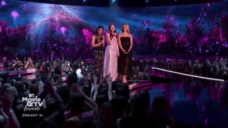 Отрывок из трансляции церемонии вручения наград MTV