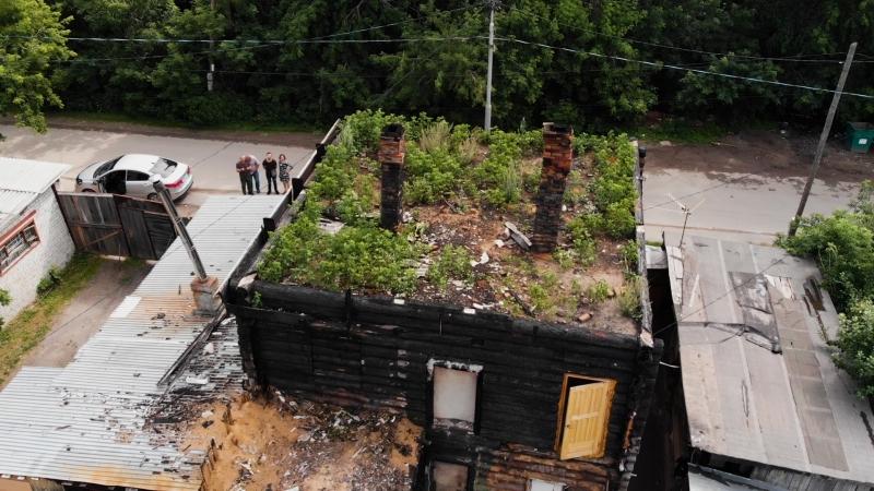 Жильцы дома на Береговой 9 месяцев живут без крыши
