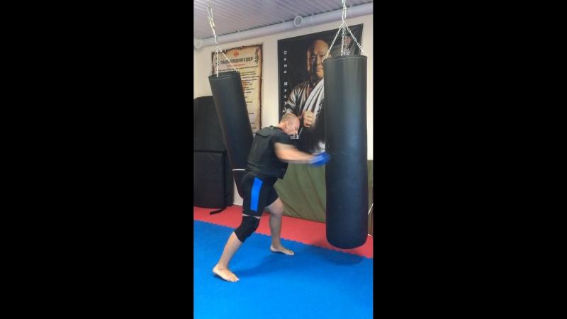 Тренировка в 10 ти кг бронежилете