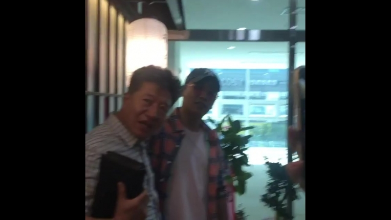 (26.05.18) Сынни в ресторане Aori Ramen в Вонджу в провинции Канвондо, Южная Корея