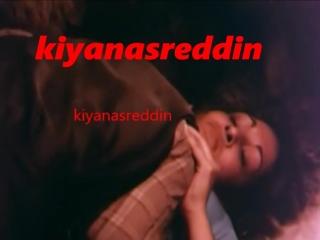 Türk filminde ilk defa am gören Levent İnanırın trende koyunlar arasında sevişmesi -memelere gel -erotik scene in turk film
