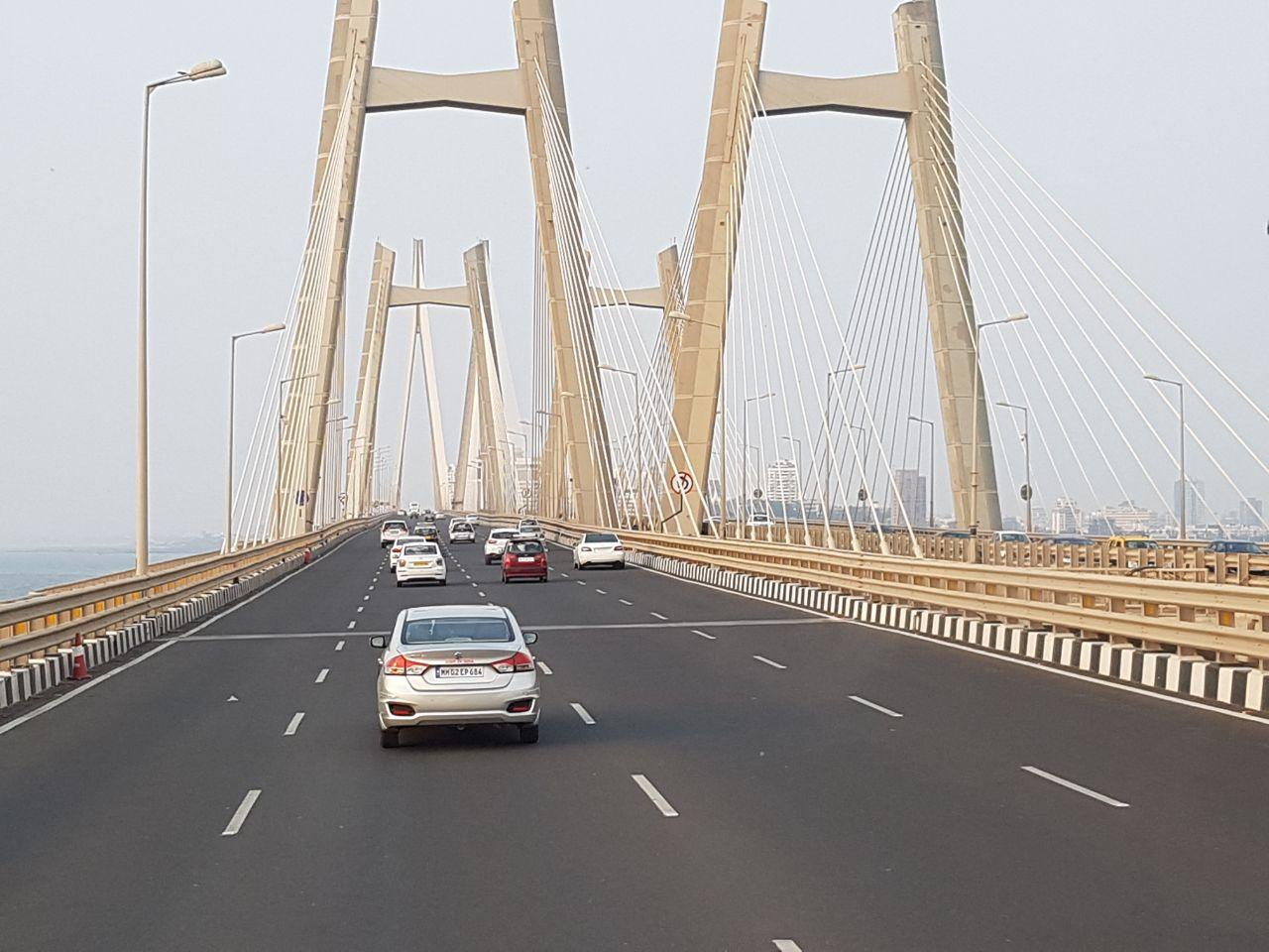 Мумбайский автомобильный мост через залив, где купаться нельзя