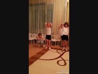Акробатика тренер Шихваргер Даниил Артурович сад 458 2 группа