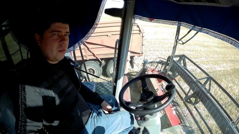 (Сезон 2018) VECTOR 410, ACROS 550, ПАЛЕССЕ GS12, Поле 700 га продолжаем уборку!!
