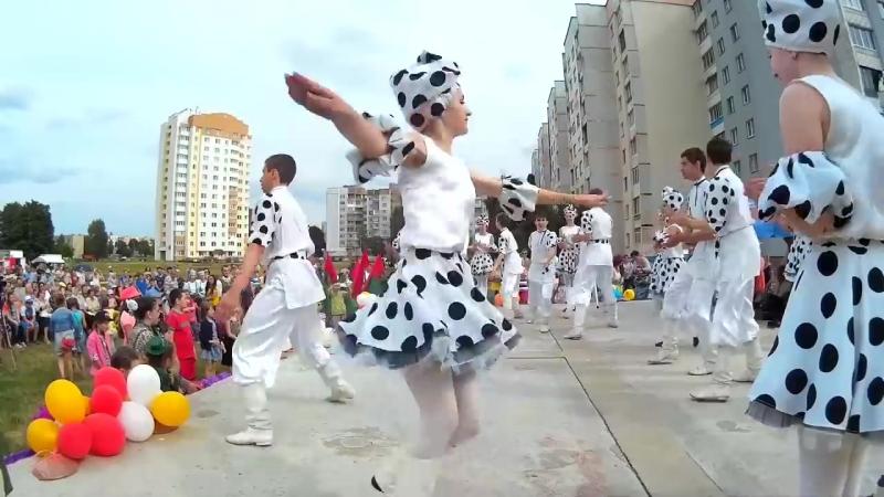 Народные танцы на празднике «Лето Первомайское» в Бобруйске.
