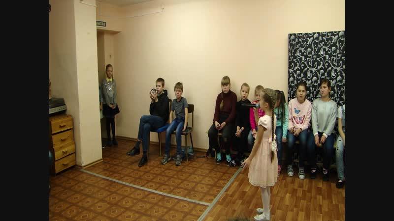 Настя Башкирова песня Росиночка- Россия выступление перед ребятами лагеря Школы Искусств