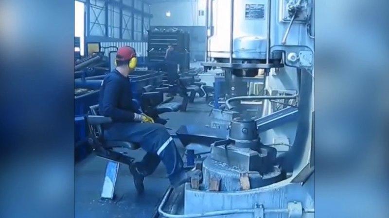 Изготовление стального шара д. 100 мм. пневматическим кузнечным молотом