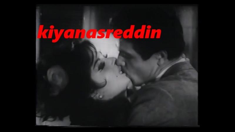 Türk filminde Türkan Şoray İzzet Günay öpüşme sahnesi ve costar Sadri Alışık'a yakalanma