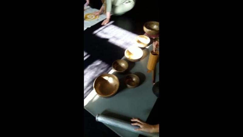 интуитивное панно и Тибетские поющие чаши