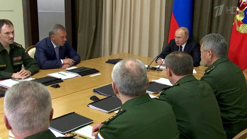 Разработка перспективных вооружений вцентре внимания президента насовещании поОПК Новости Первый канал
