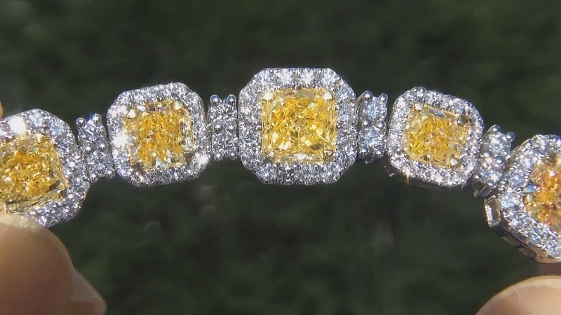 $179,855 GIA Certified VVS Clarity 14.18 Carat Fancy Intense Yellow Diamond Bracelet