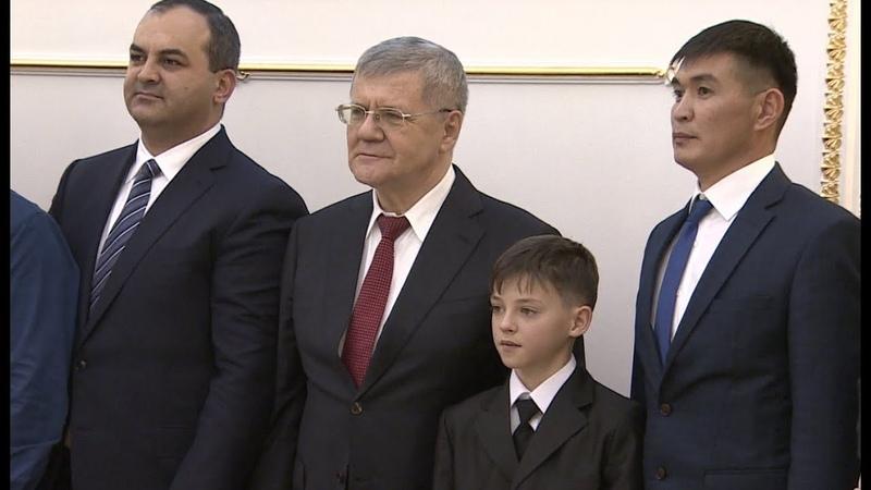 «Вместе против коррупции!» Юрий Чайка наградил победителей молодёжного конкурса социальной рекламы