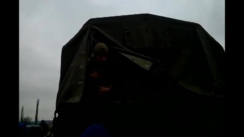 Часть 4 В городе Ровеньки, Луганской обл было задержано 3 Камаза с военными и оружием 13 04 2014