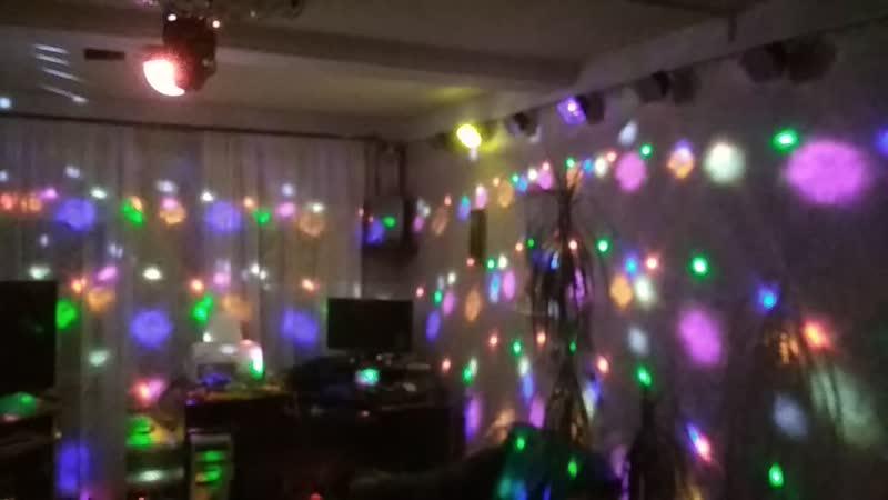 Инсталляция световых приборов в обычной комнате
