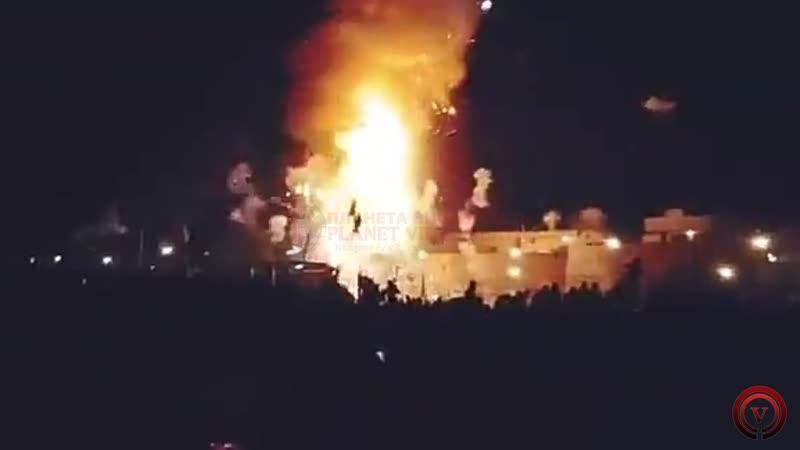 Поезд въехал в толпу, 50 человек погибли.