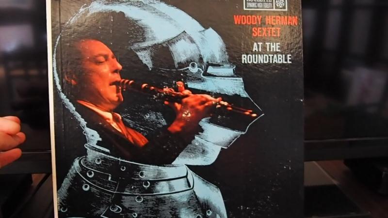Коротко / Woody Herman - At The Roundtable