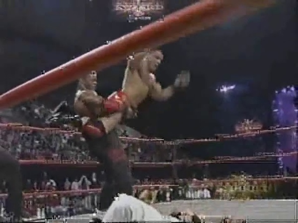 WCW Nitro - Prime Time Kid Romeo vs Jung Dragons 03.12.01