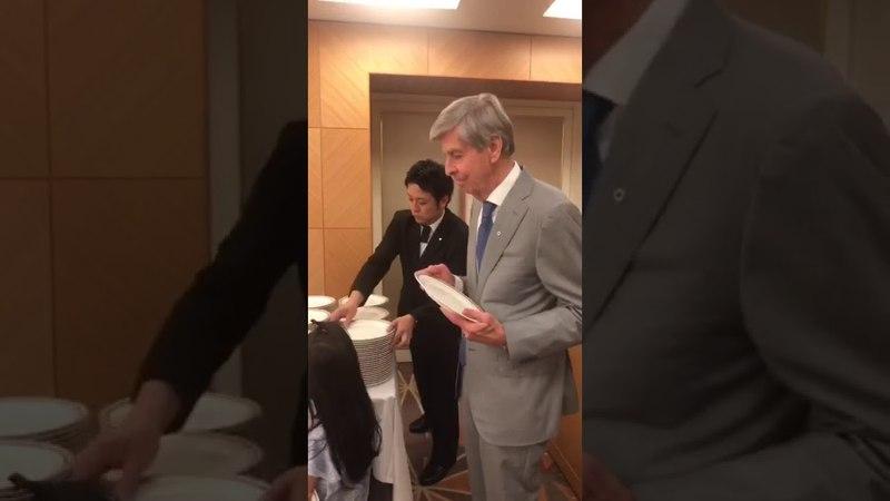 Человек сделавший мир лучше Роберт аф Йокник один из основателей Орифлэйм Япония Токио