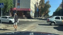 Две столкнувшиеся легковушки заблокировали перекресток в центре Саратова