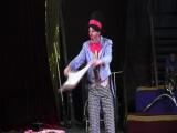 Клоун Муля и его летающий столик