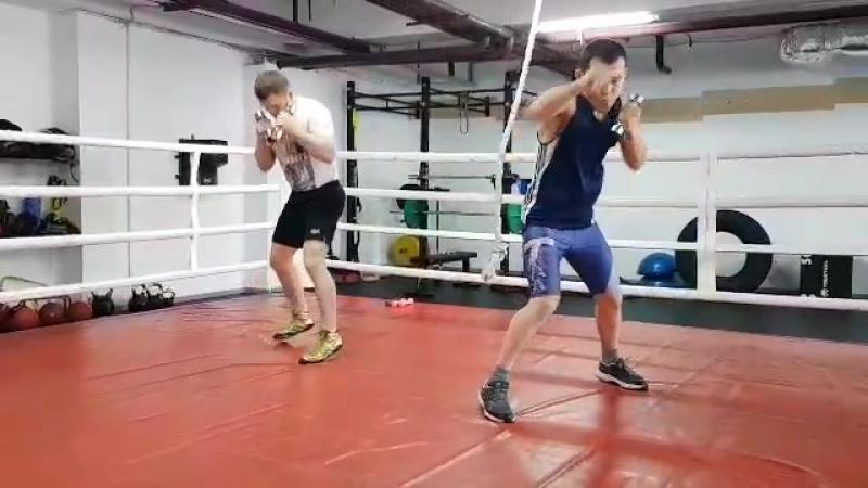 Обладатели титулов WBO и WBC Чупраков и Сулайманбек Уулу провели тренировку в Астане