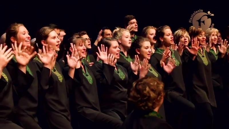 Как организует конкурсы хоров Фиесталония