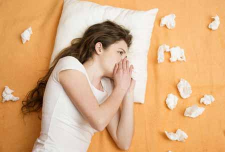 Туберкулез и рак легких являются двумя наиболее серьезными причинами мокроты с кровью.