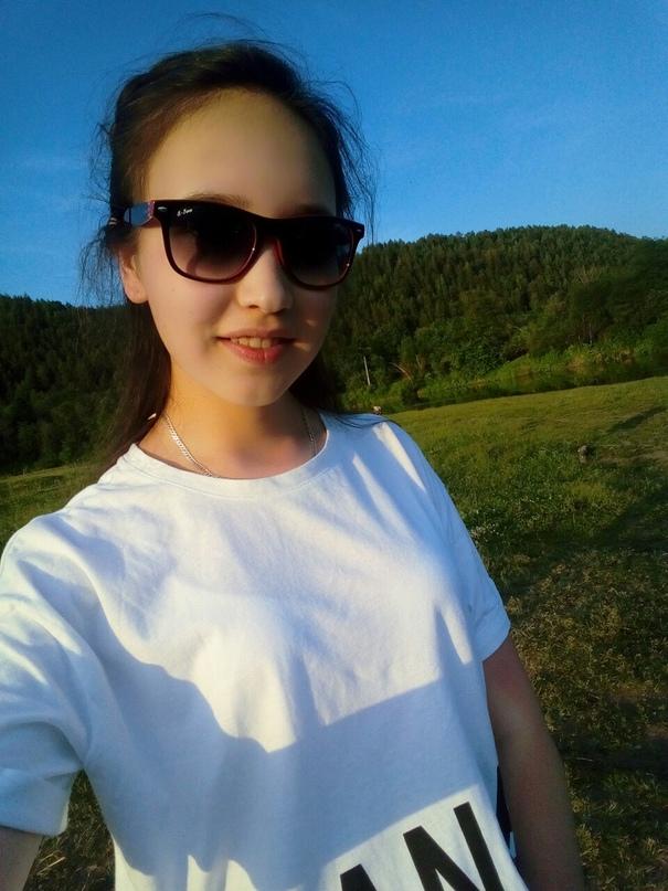 Розанна Мухатарова |
