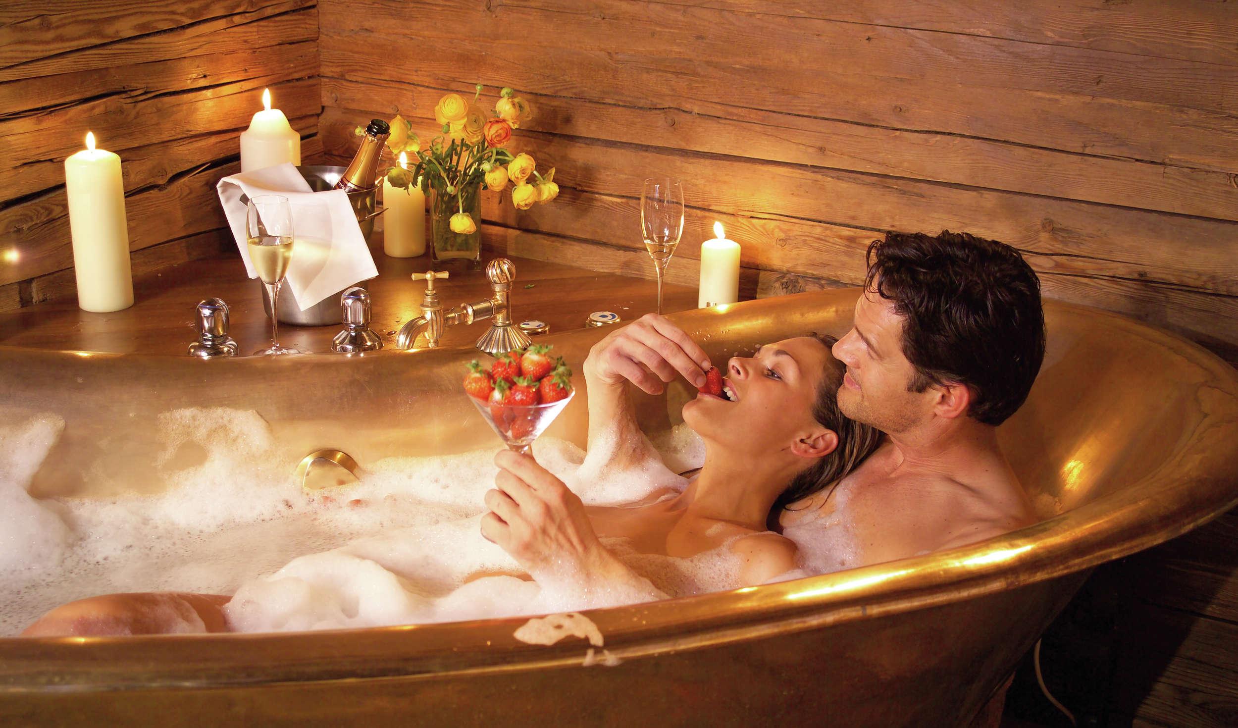 Как дать эротический массаж женщине