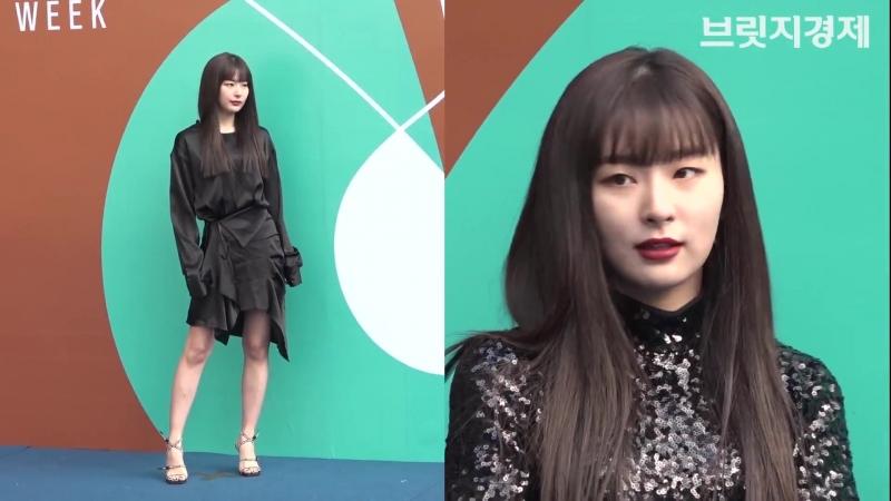 브릿지영상 레드벨벳 슬기 RedVelvet SEULGI 닮은 듯 다른 블랙 패션 직접 비교…뭘 입든 미모 폭발