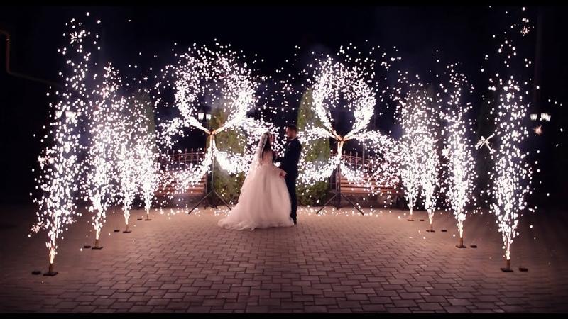 Вертушки и дорожка холодных фонтанов на свадьбу Ростов | GOF show